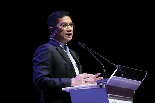Azmin says not privy to sources of WSJ's report on 1MDB, deals