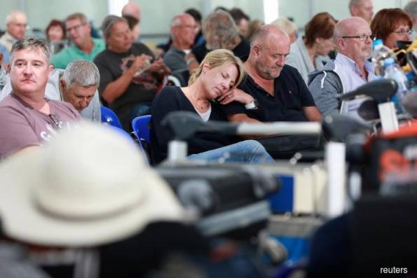 Some 2,000 travellers still stranded in Bangkok after flights disrupted