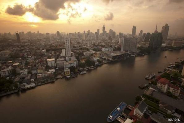 Thai 2Q GDP growth pace slows, but govt keeps 2018 target