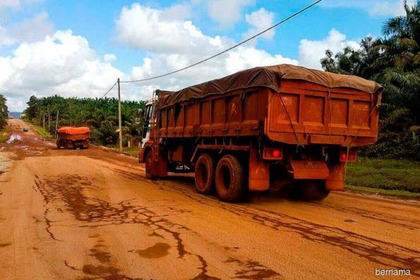 Govt to issue temporary APs for miners to clear existing bauxite stockpile in Pahang