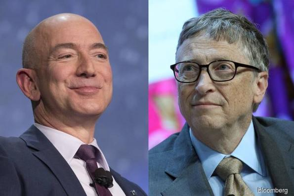 Gates Joins Bezos in 12-Digit Club as the Only Centibillionaires