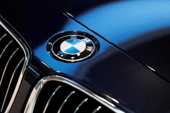 BMW, Daimler, telcos in push to get EU adopt connected car standard