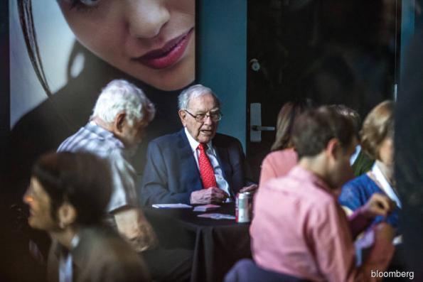 What Warren Buffett is leaving his successors