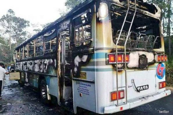 Grenade on Sri Lanka bus injures 19; military rules out attack