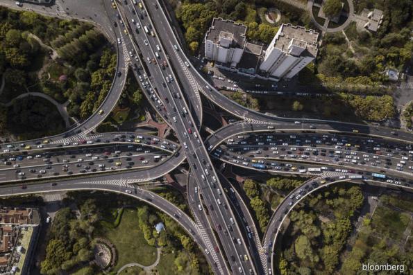 Largest car market risks historic drop as China buyers waver