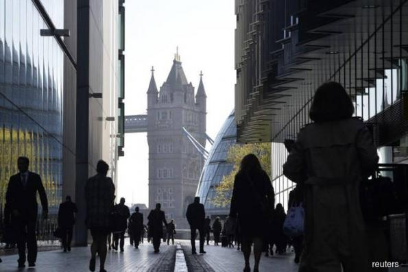 UK jobless rate falls to new 43 year-low, but pay growth weakens