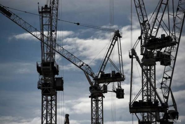 i-City construction mishap kills one, injures three