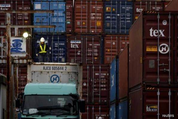 Japan July exports rise 3.9 pct year/year - MOF