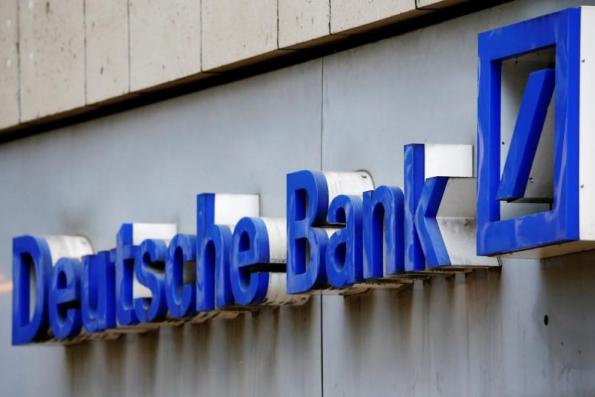 Deutsche Bank weighs overhaul of group structure