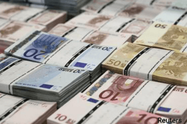 Euro set for biggest daily fall of 2017 vs US dollar