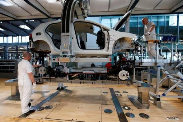 Malaysia's manufacturing downturn continues in February