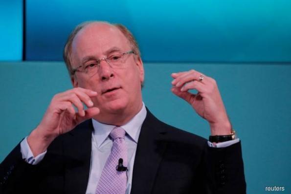 BlackRock is evaluating cryptocurrencies, CEO says