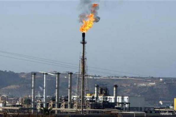 Bangladesh plans to lower sulphur content of gasoil imports from mid-2018