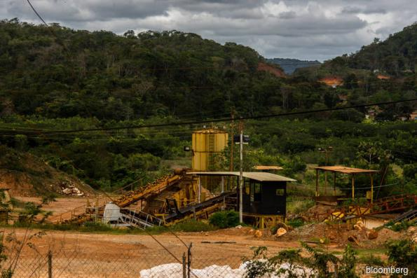 U.S. sanctions Venezuelan gold company for supporting Maduro
