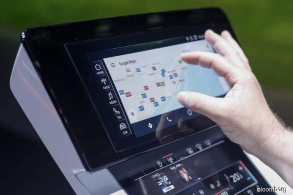 Carmakers team up with Google and let Android into dashboard