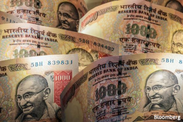Investors can't agree on rupee's fair value as RBI's Patel enters debate