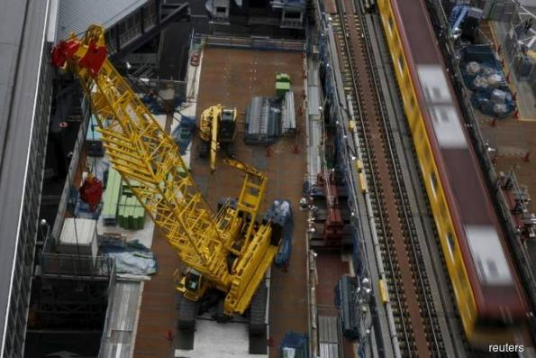 Japan's Dec machinery orders fall at fastest in 3 yrs, cast doubt on capex