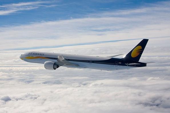 India's Jet Airways cutting junior pilot pay to trim costs