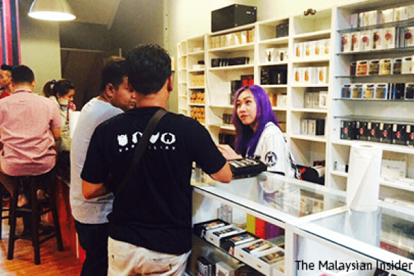 Retailers seek court judgment on vape ban