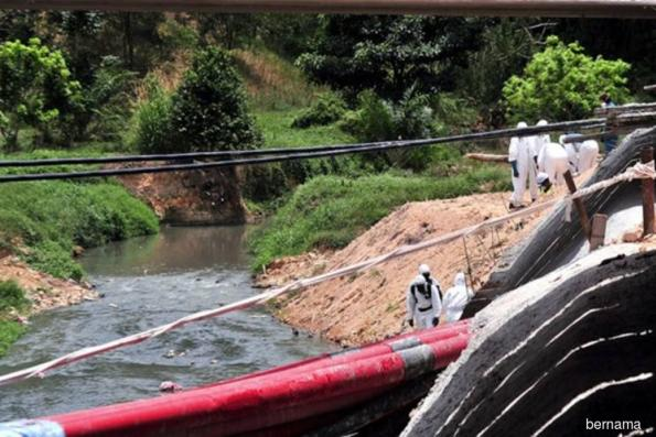 Sungai Kim Kim clean-up fills up 350 large bags of tainted earth