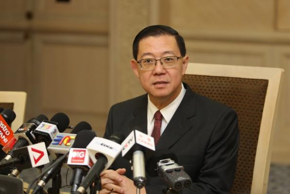 Govt still able to pay RM8bil monthly wages and pensions of civil servants -- Lim