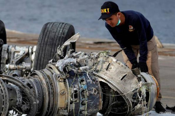 Faulty Lion Air sensor not fixed before crash, report finds