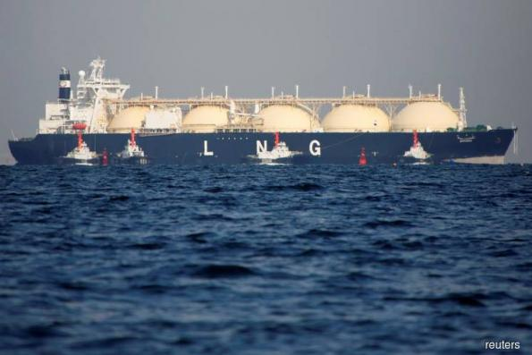 Tankers storing LNG in Asian waters double as pre-winter demand disappoints