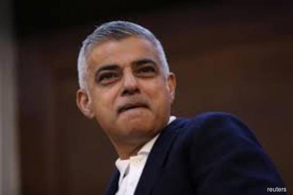 London housing slowdown means headache for mayor's building plan