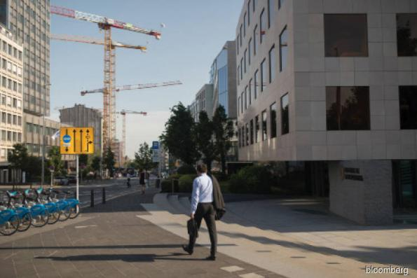 Bankers with broken English are Luxembourg's Brexit bottleneck