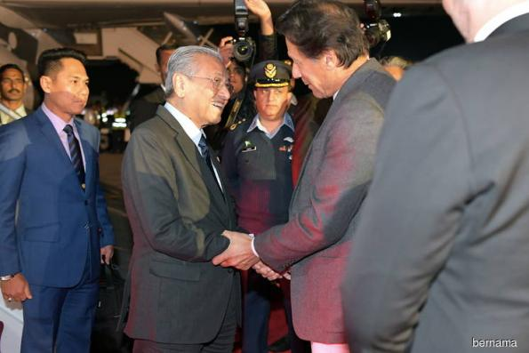Mahathir arrives in Islamabad for three-day visit to Pakistan