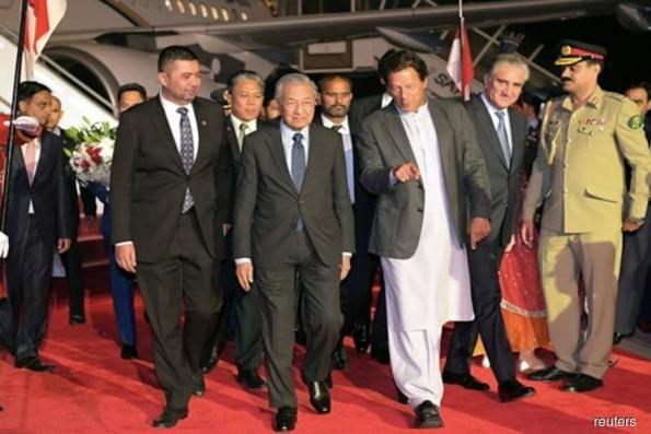Pakistan eyes US$900m investment deals during Dr M's visit