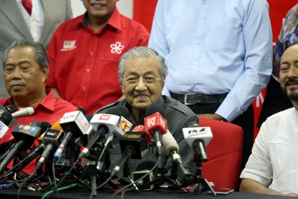 Malaysia faces up to RM500m penalty for dropping KL-Spore HSR project, says Dr Mahathir