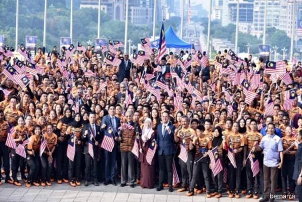 Clinch top 10 position, Mahathir advises Asian Games contingent