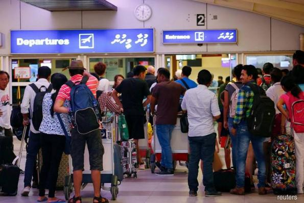 Maldives tries to fight off travel alerts as tourists stay away
