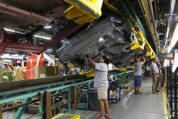 US manufacturing production rises steadily in October