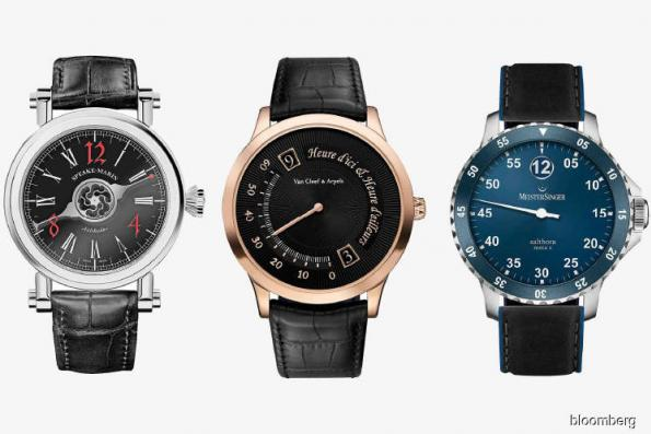 Watches: These watches can tell time with just one hand