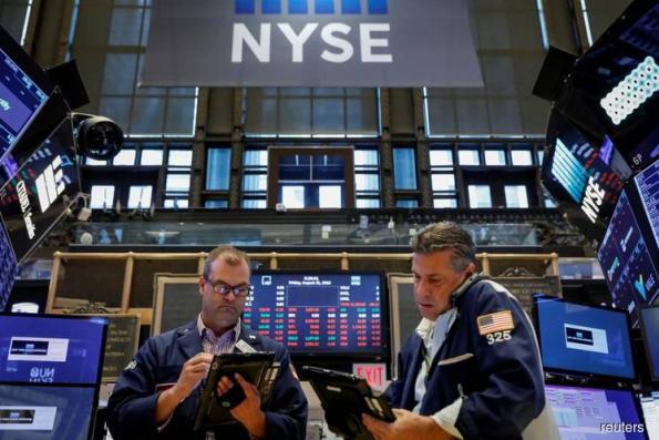 Nasdaq, S&P drop as tech stocks hammered anew