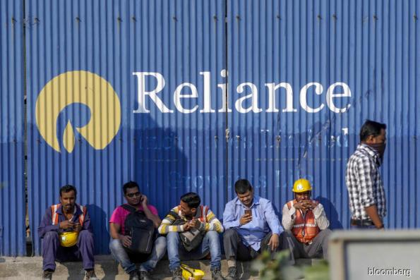 Reliance plans to borrow US$6b in consumer push