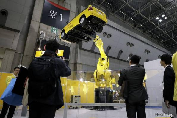 Robots still missing from the largest part of Japan's economy