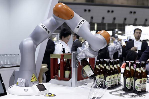 Robots aren't yet killing off all our jobs, World Bank says