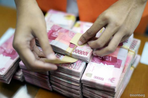 Indonesia urges exporters to use FX earnings to support rupiah