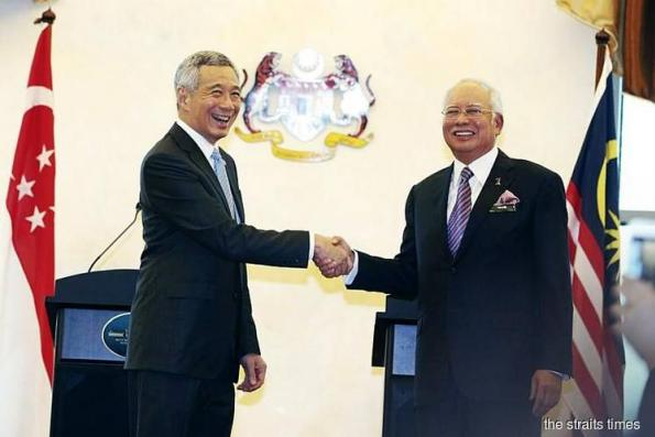 Najib in Singapore for leaders' retreat with PM Lee