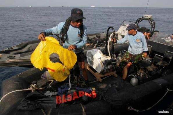 Indonesia rescuers expect no survivors from crashed Lion Air plane