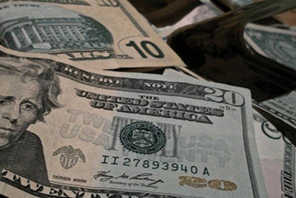 US dollar heads for fourth weekly fall ahead of payrolls