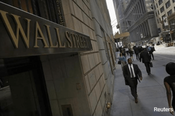 Wall St higher as Apple powers tech rally; Fed in focus