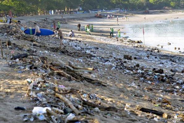 On Thai island, hotel guests check out of plastic waste