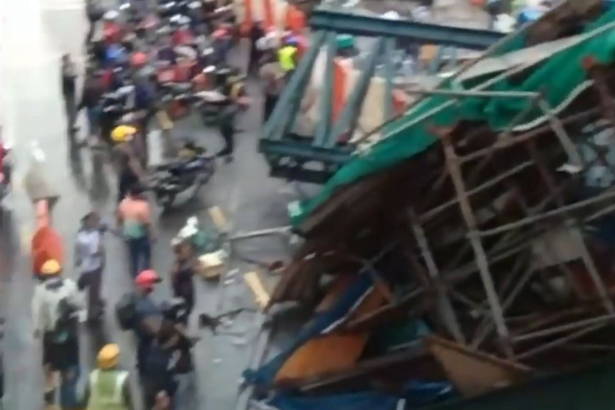 Overhead bridge under construction along SUKE Highway collapses; two dead, three seriously injured