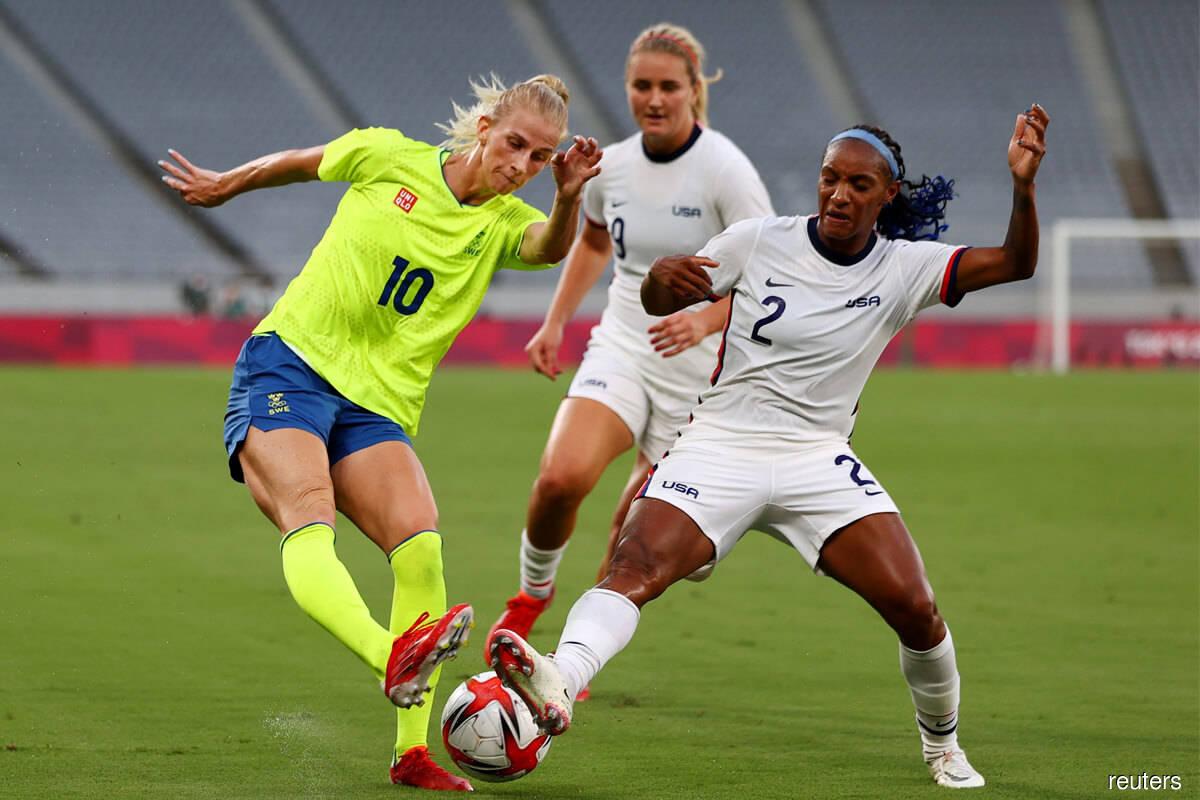 Sweden women end US unbeaten run, Dutch put 10 past Zambia