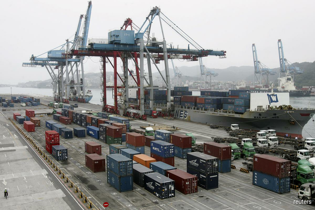 The island's export orders, a bellwether of global technology demand, rose 13.6% in August from a year earlier to $45.5 billion, Ministry of Economic Affairs data showed on Monday, setting a historic high for the month. (Photo by Reuters)