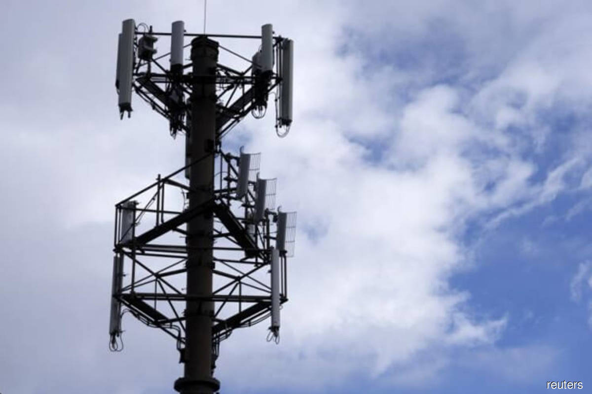 Work order for construction of telecommunications towers under JENDELA 1 to be issued this month, says Annuar